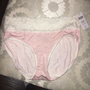 NWT Soma Embraceable super soft Hipster small